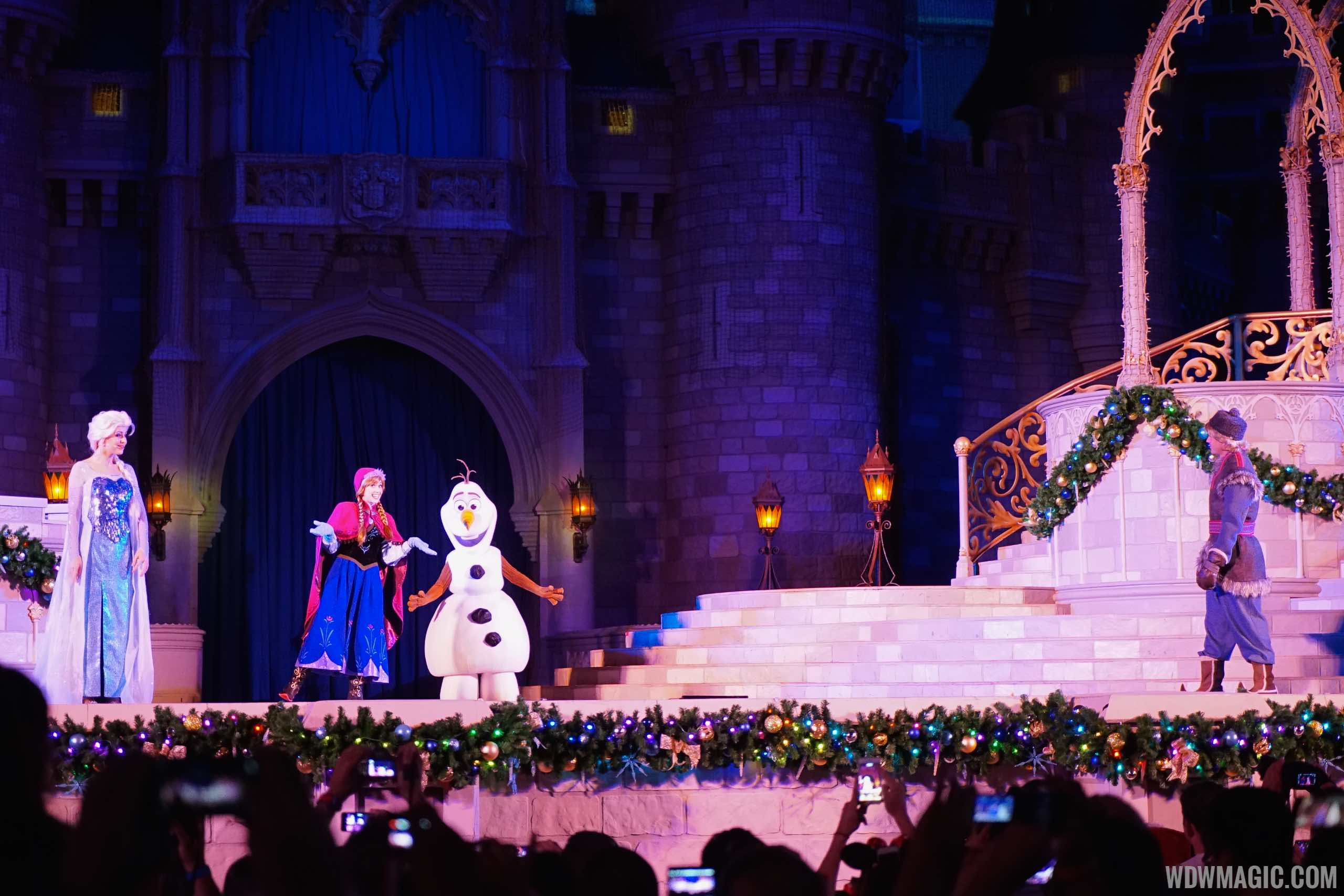 A Frozen Holiday Wish opening show