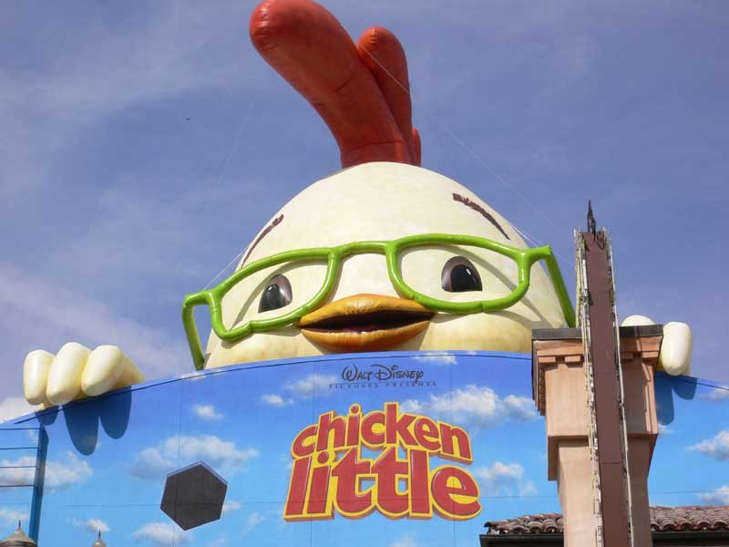 Giant Chicken Little promo - Photo 2 of 2