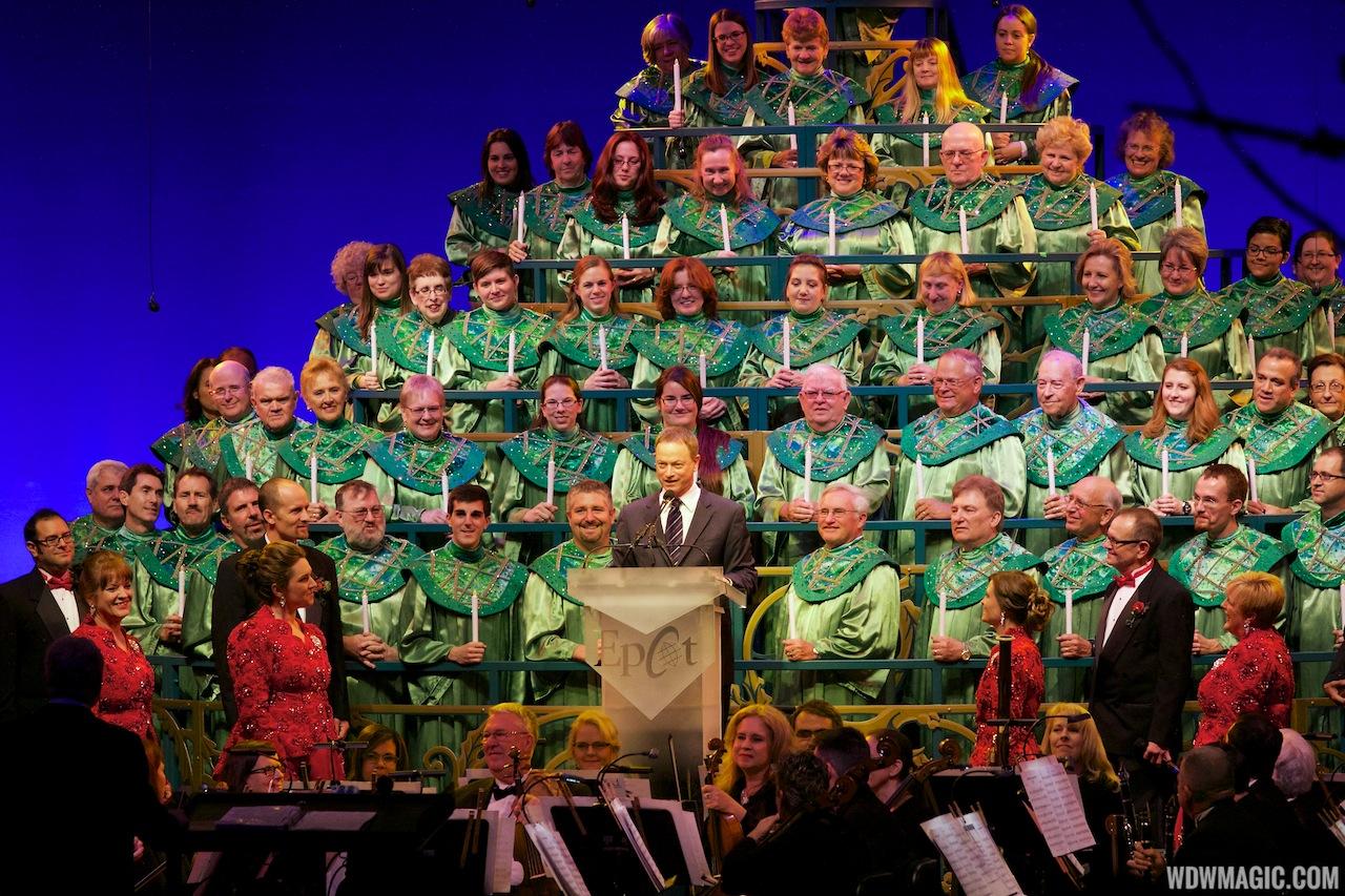 Gary Sinise narrating Candlelight Processional 2013