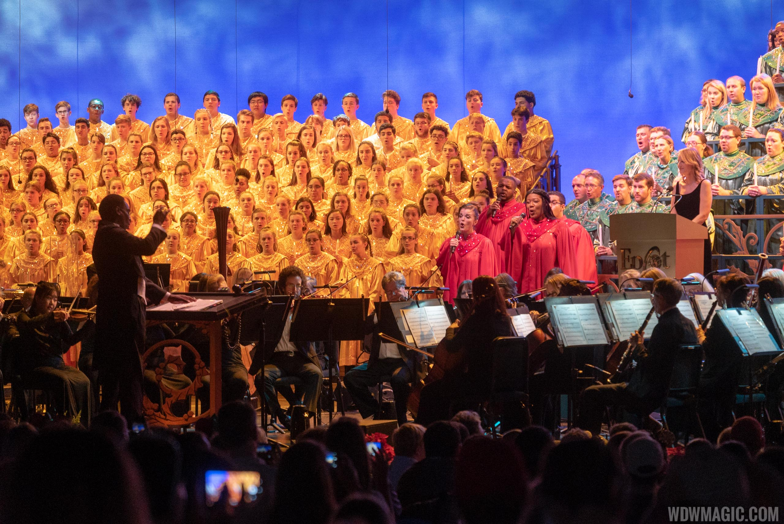 Helen Hunt Candlelight Processional 2018
