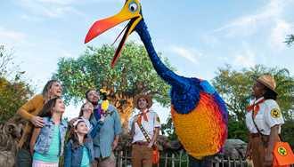 VIDEO - Kevin arrives at Disney's Animal Kingdom