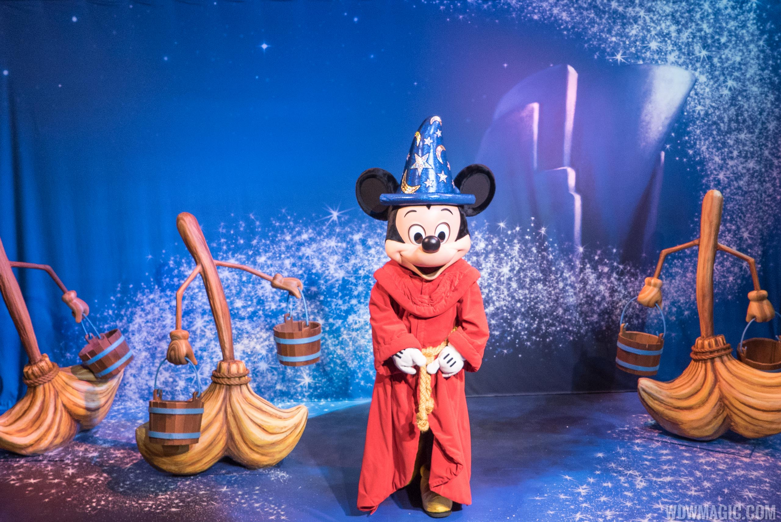 Mickey Avenue Sorcerer Mickey Mouse meet and greet
