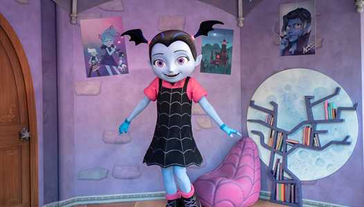 PHOTOS - Vampirina meet and greet now open at Disney's Hollywood Studios