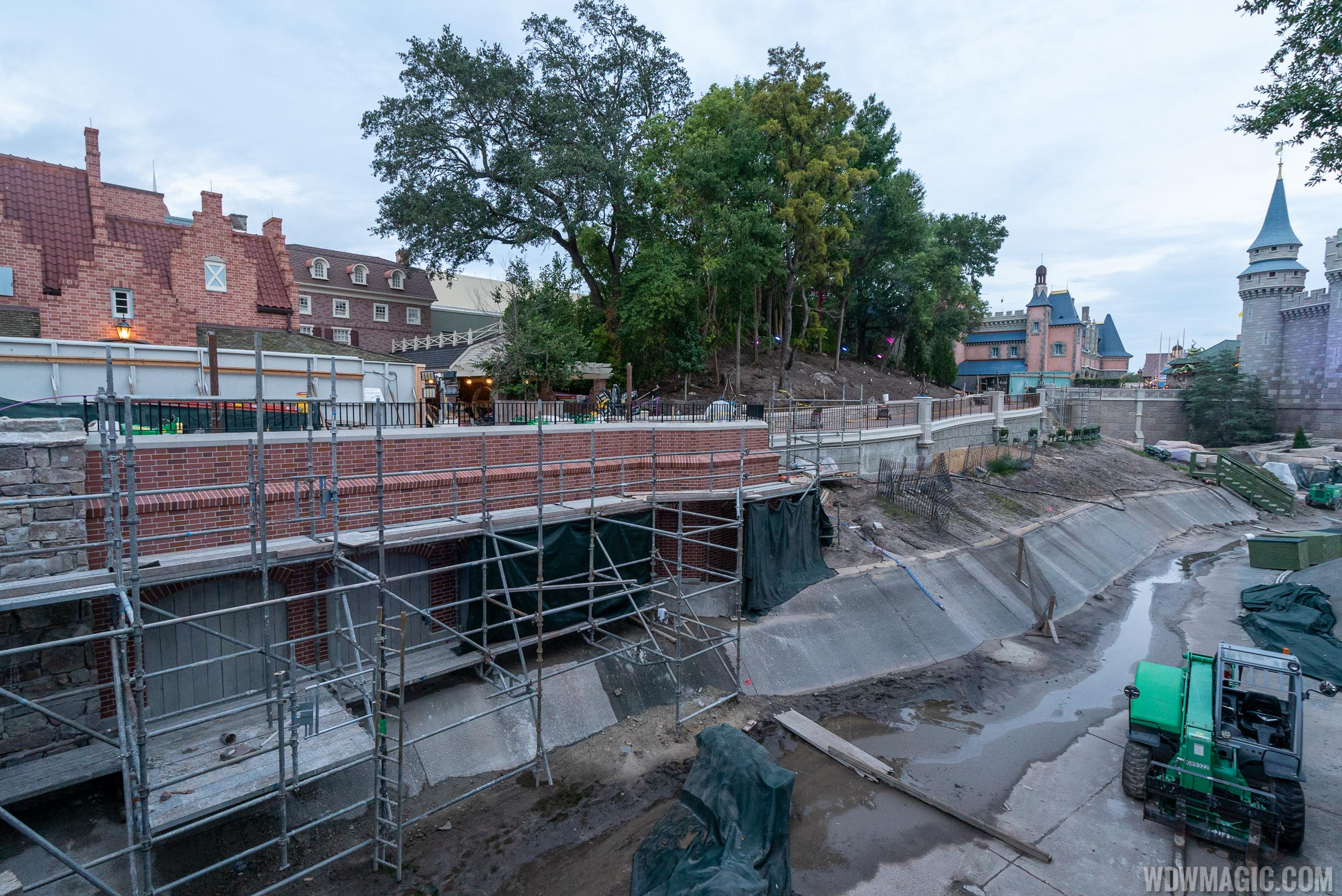 Liberty Square to Fantasyland walkway expansion construction - August 2019