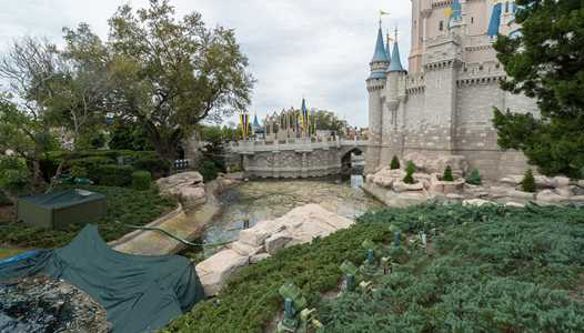 PHOTOS - Waterways drained around Cinderella Castle in preparation for enhancements