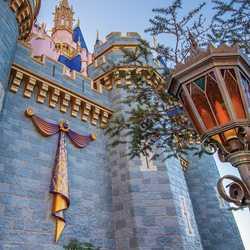 First embellishment installed at Cinderella Castle