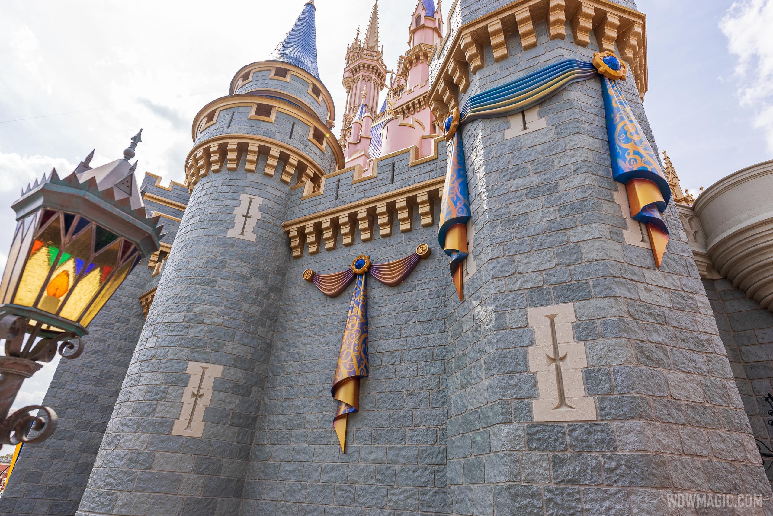 Cinderella-Castle_Full_41324.jpg