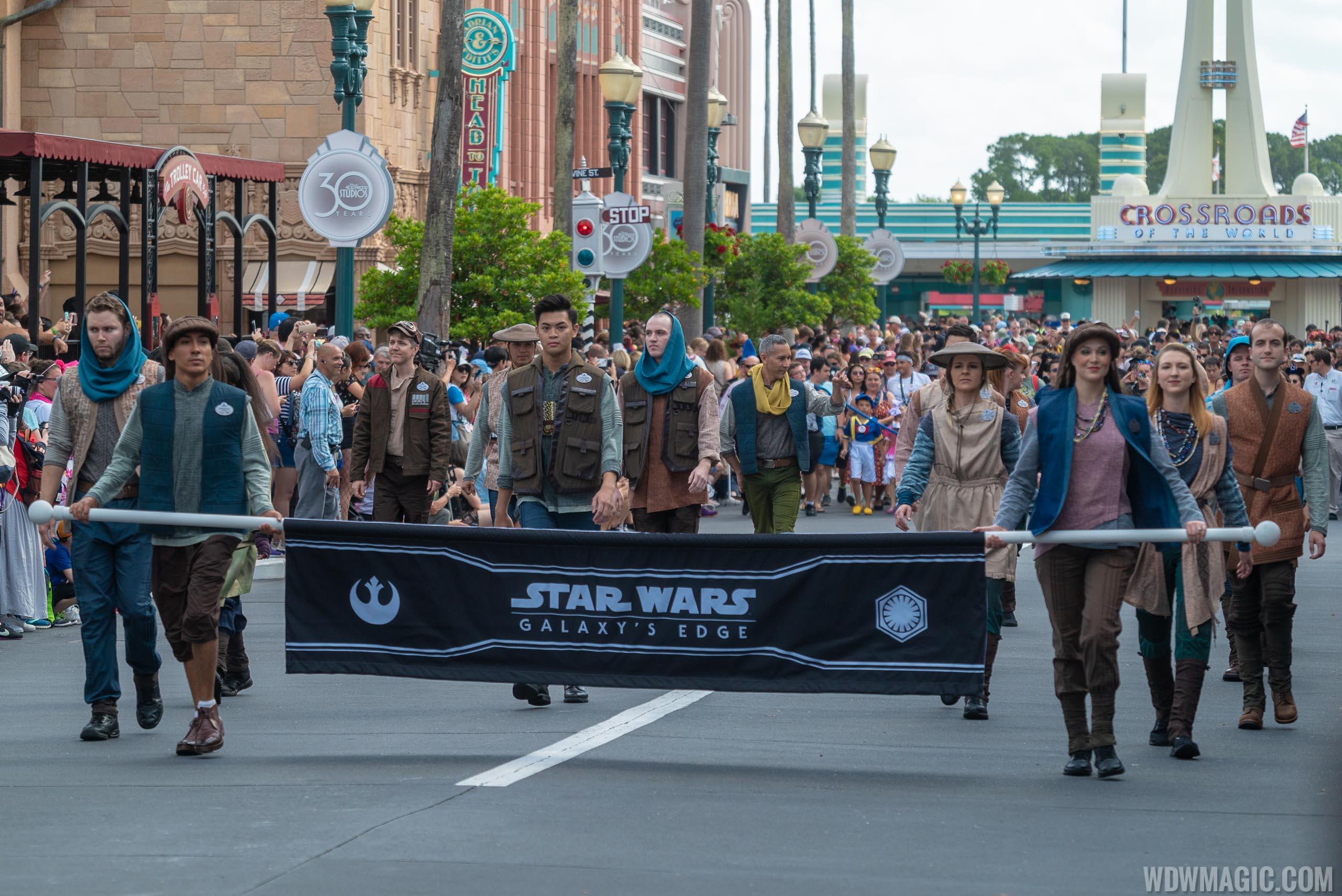 Star Wars Galaxy's Edge Cast Members