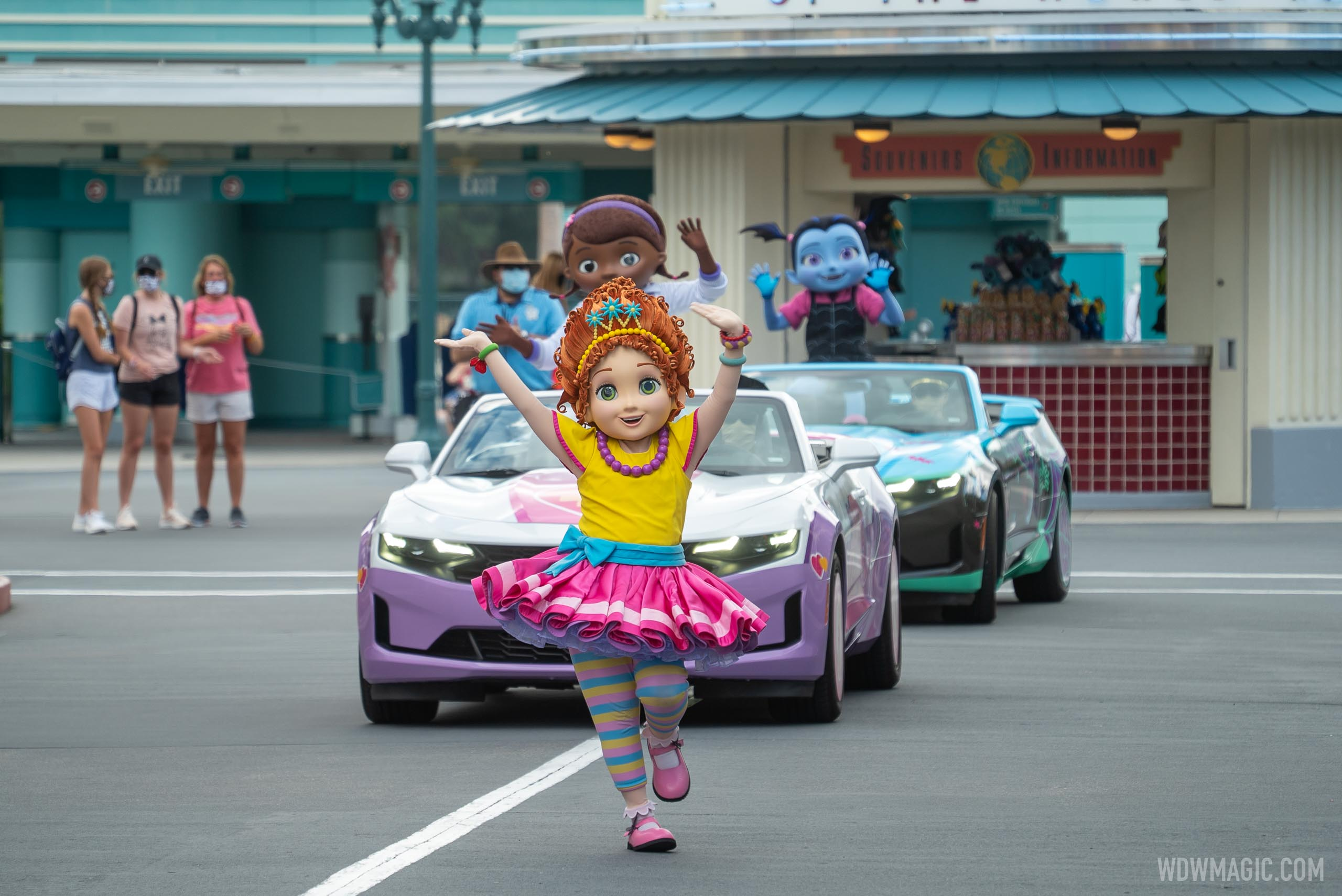 Fancy Nancy leads the Disney Junior cavalcade along Hollywood Blvd.