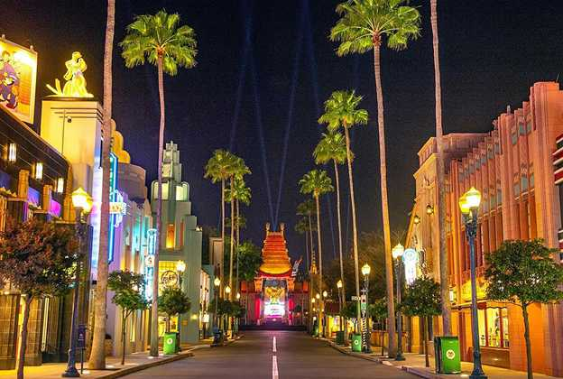 New lighting at the Chinese Theater
