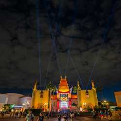 New lighting design and searchlights at Disney's Hollywood Studios Chinese Theater