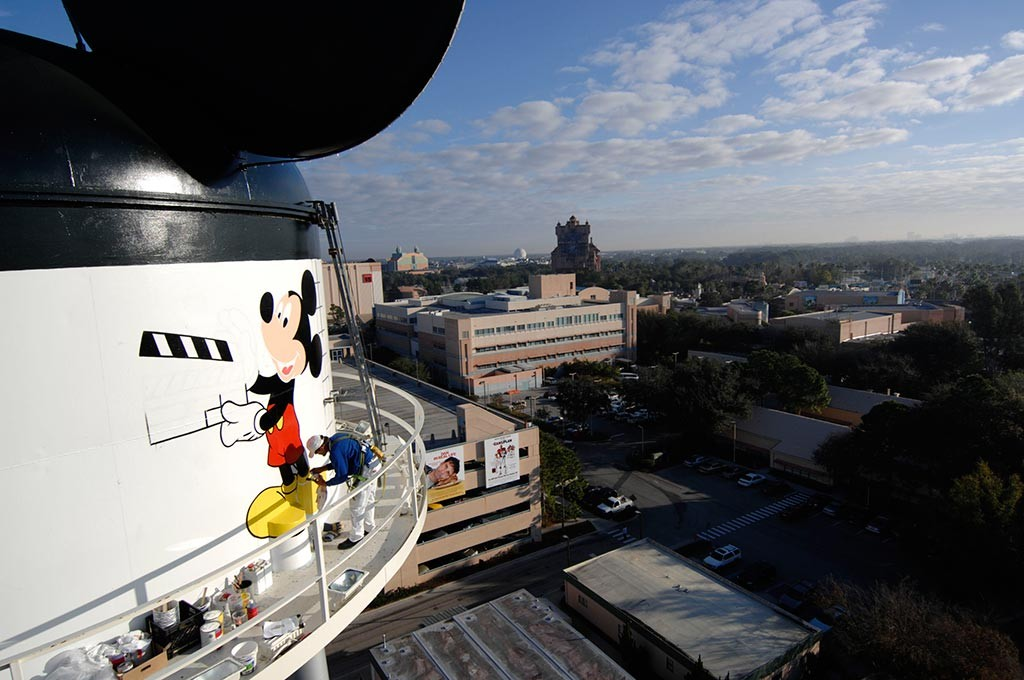 Earffel Tower logo being painted today