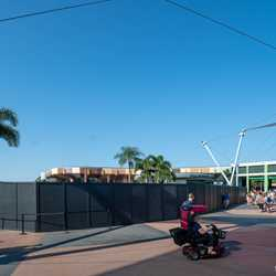 Fountain of Nations, Character Spot, Starbucks closures