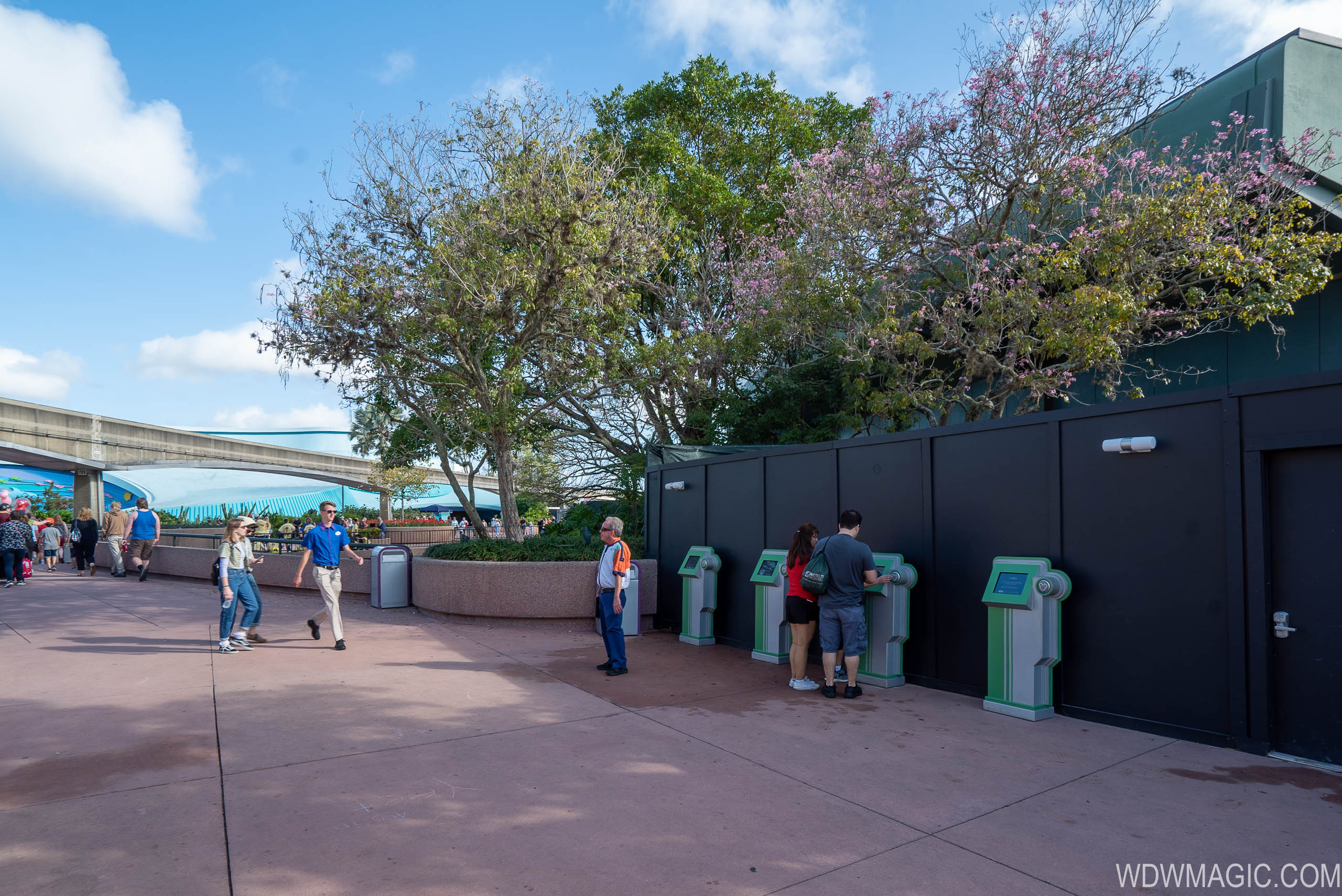 Future World East bypass walkway