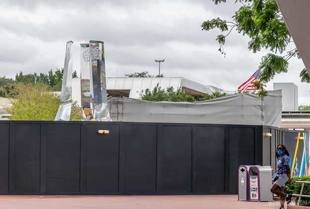 EPCOT main entrance fountain construction - October 5 2020
