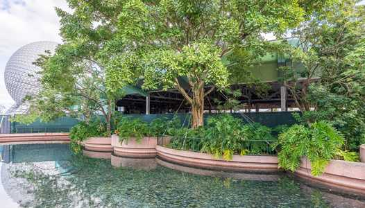 PHOTOS - Removed exterior walls show completely gutted Innoventions West