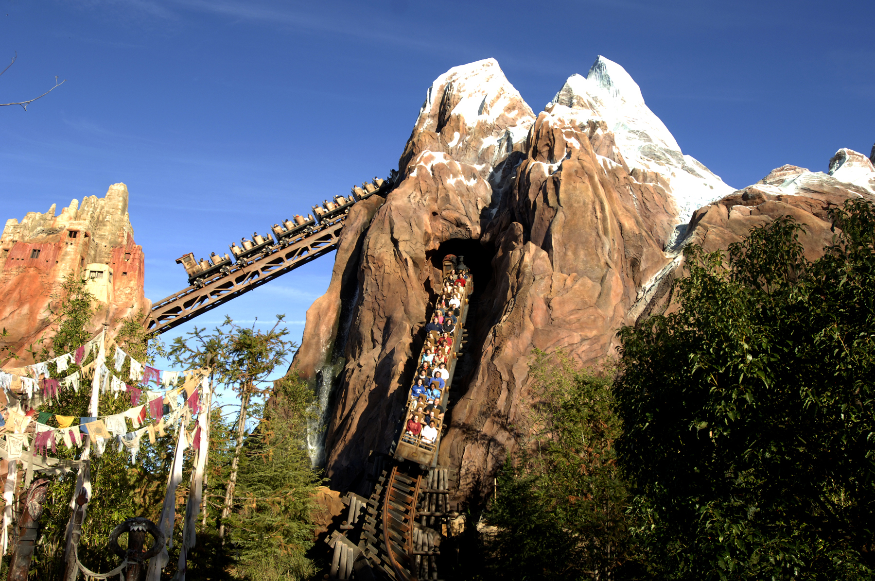 Expedition Everest News