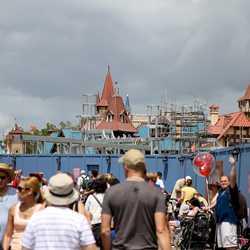 PHOTOS - Fantasyland construction