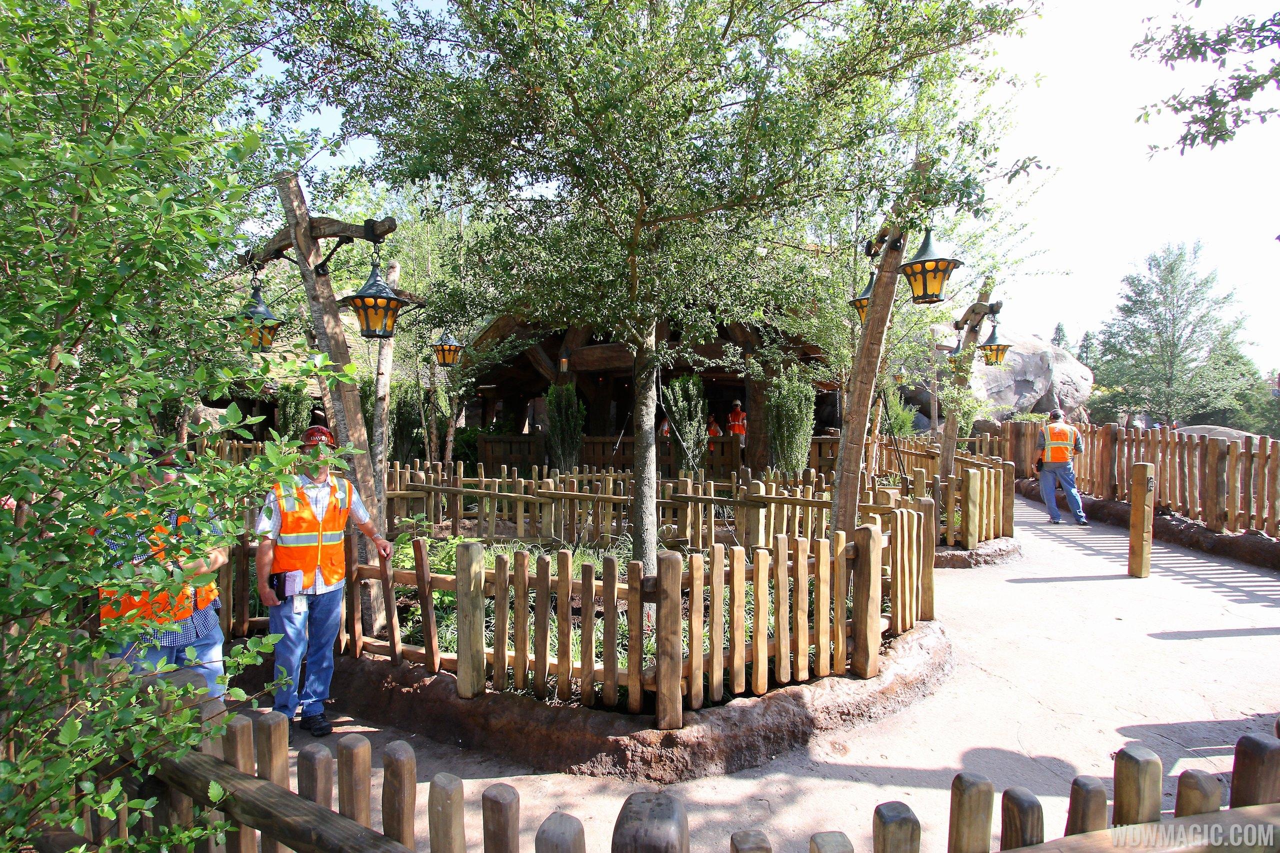Walls down around queue at Seven Dwarfs Mine Train coaster