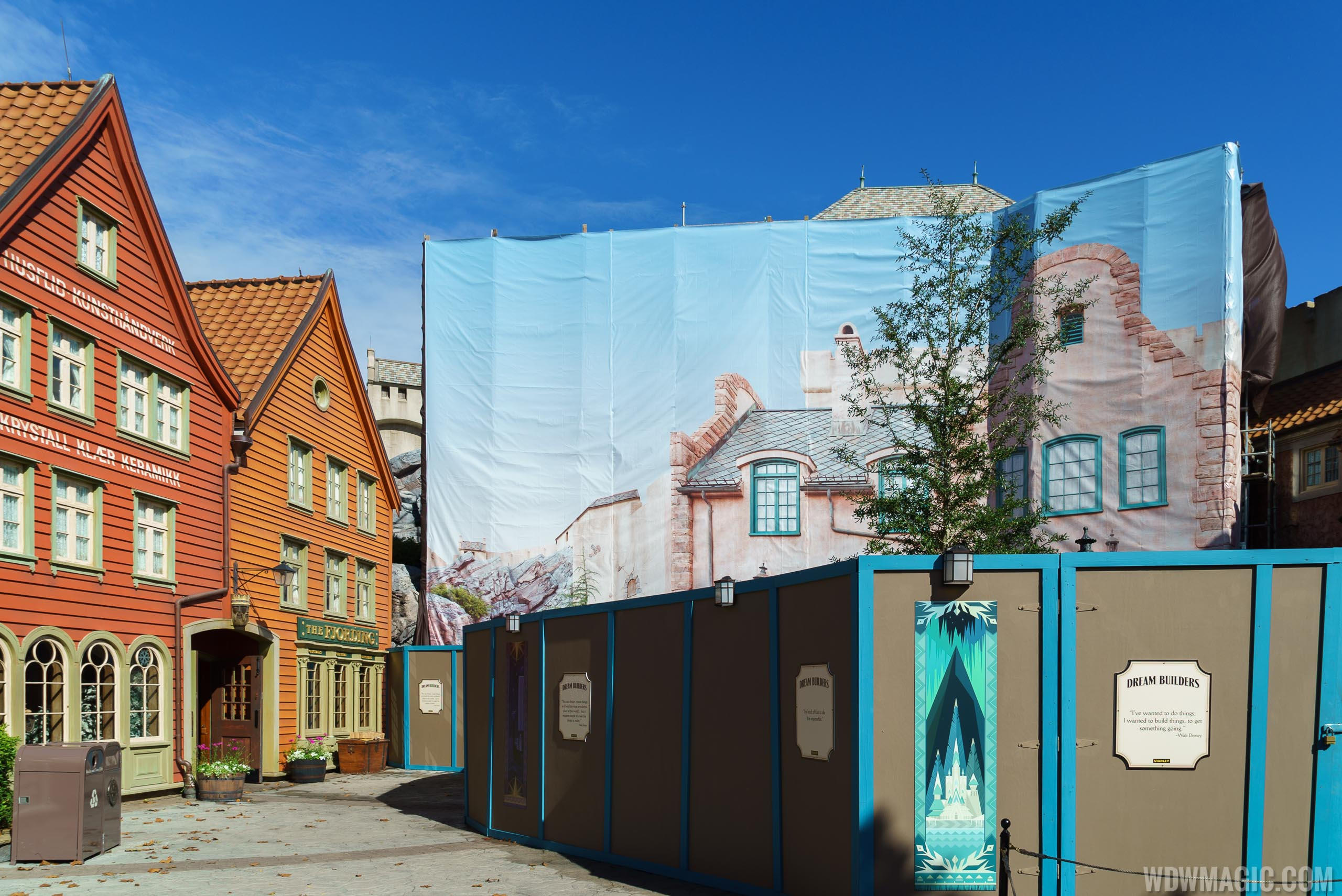 Frozen Ever After and Royal Sommerhus construction