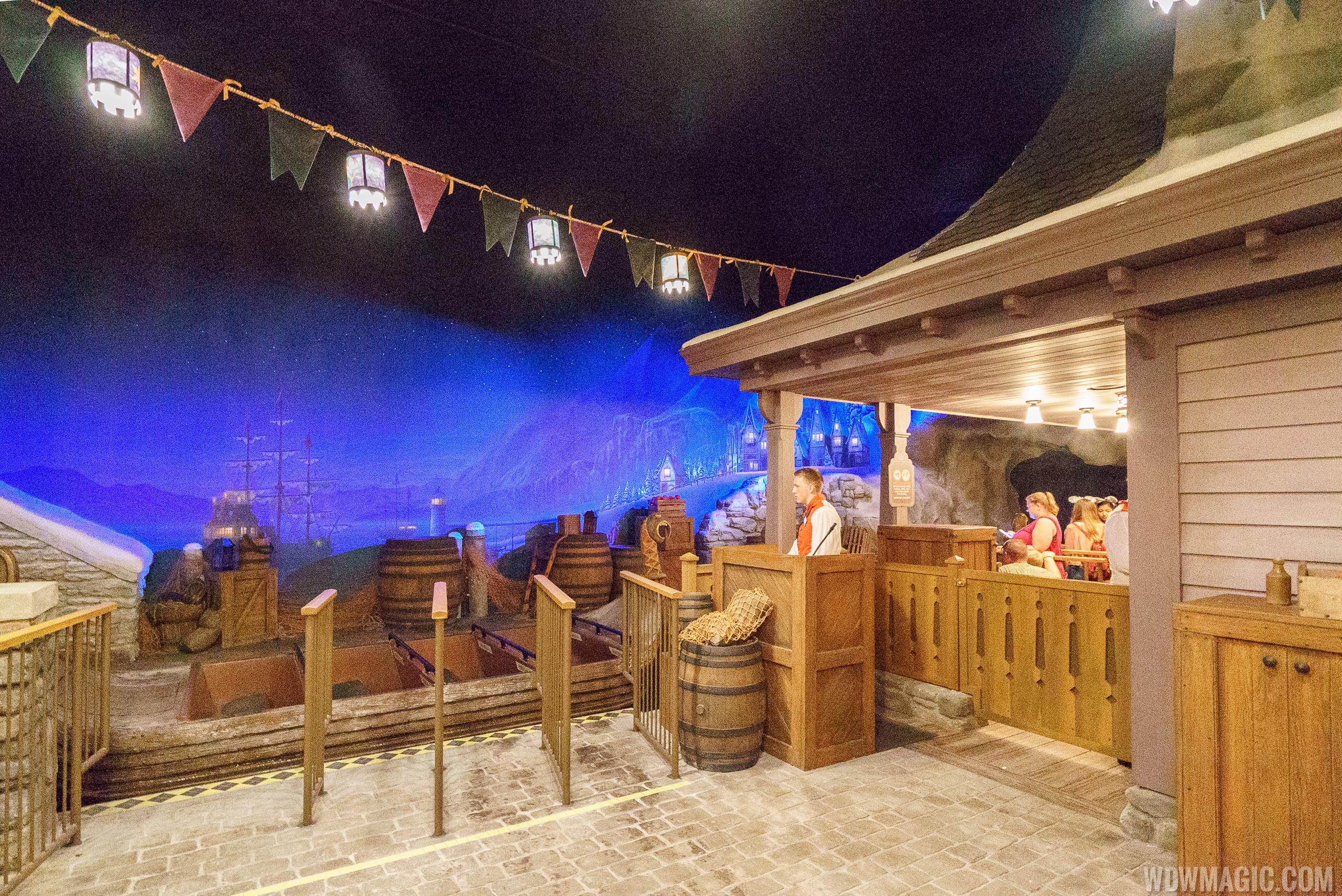 Loading area at Frozen Ever After