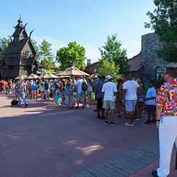 Frozen Ever After queue a week after opening