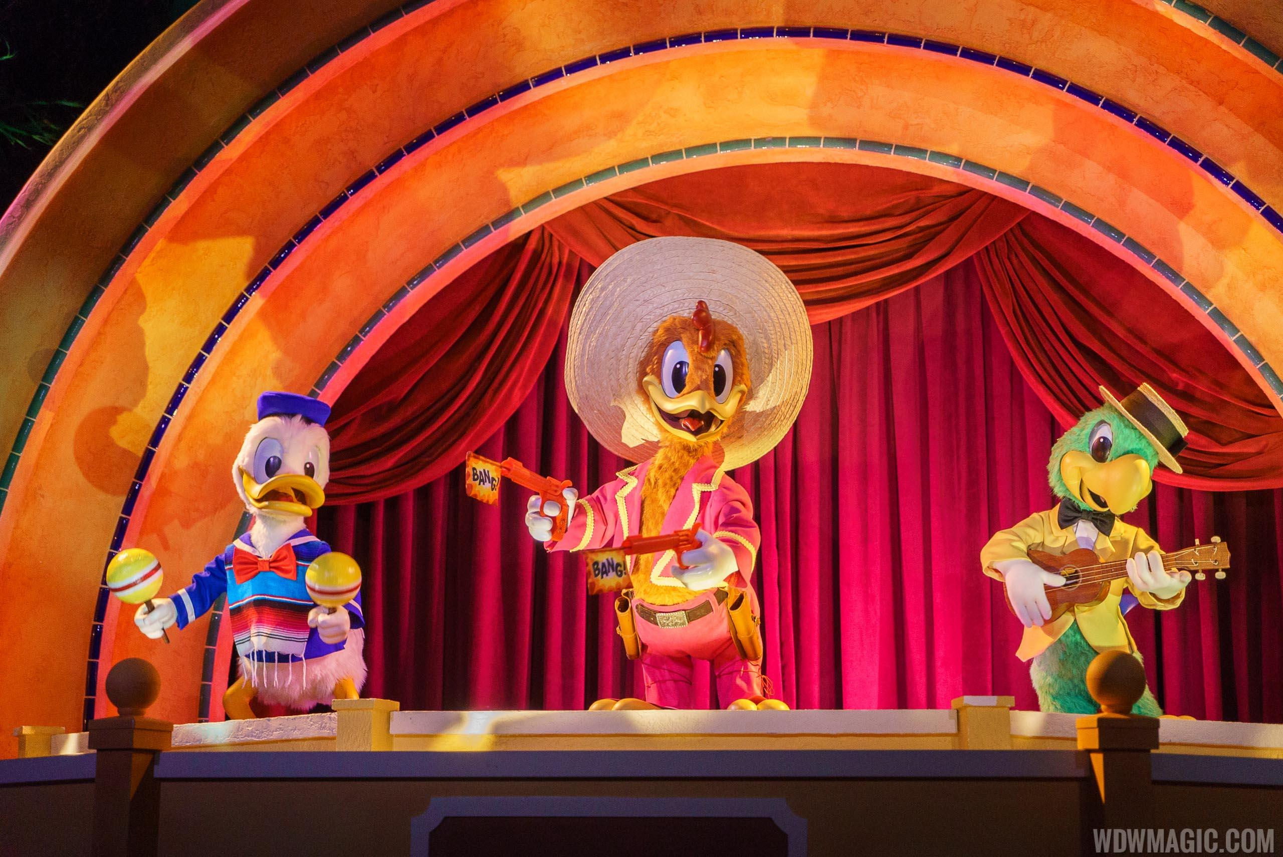 Gran-Fiesta-Tour-Starring-The-Three-Caballeros_Full_26131.jpg