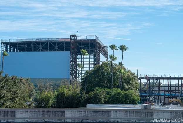 Guardians of the Galaxy construction including first track piece