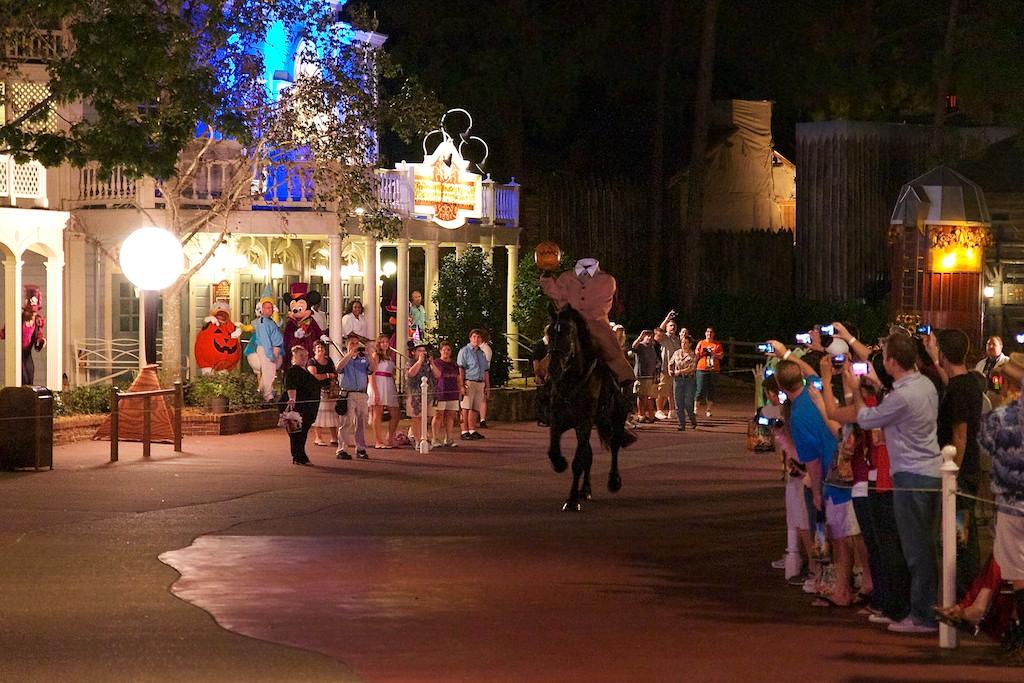 Disney Parks Blog Trick or Meet-Up