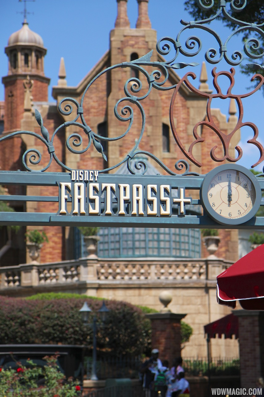 New Haunted Mansion FastPass+ sign