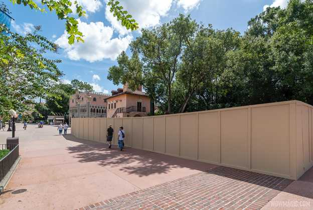 Italy Pavilion construction walls - October 2020