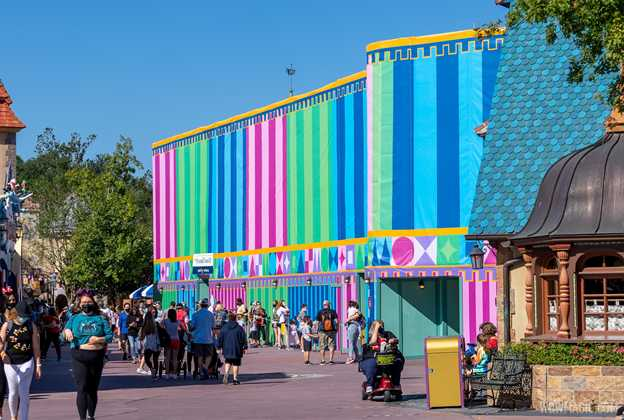it's a small world exterior refurbishment - November 2 2020