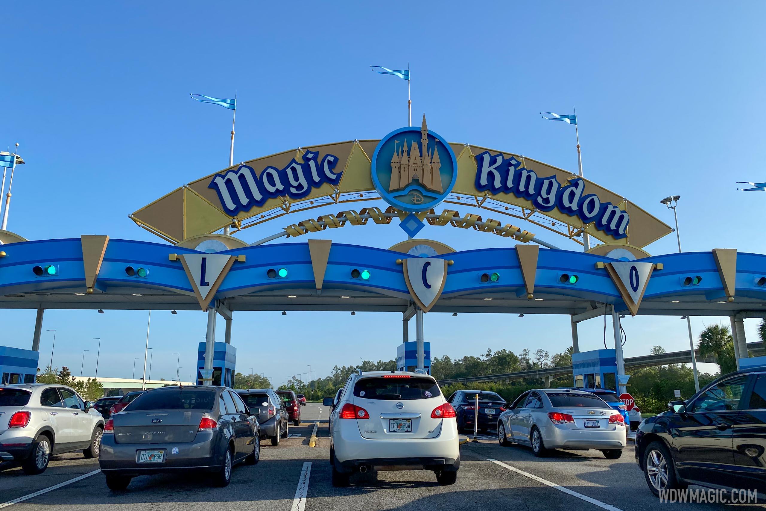 Magic Kingdom auto plaza opened 1 hour before park opening