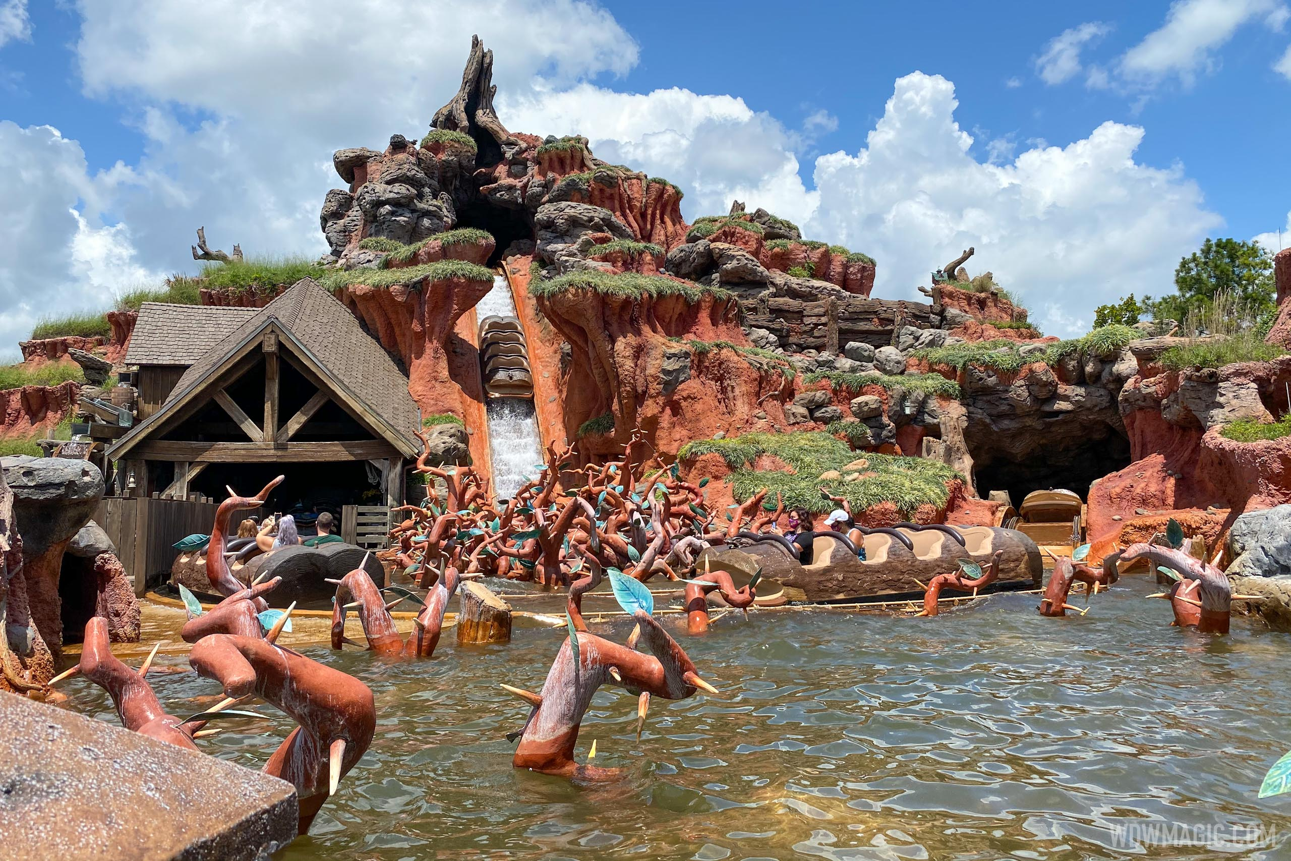 Splash Mountain with physical distancing