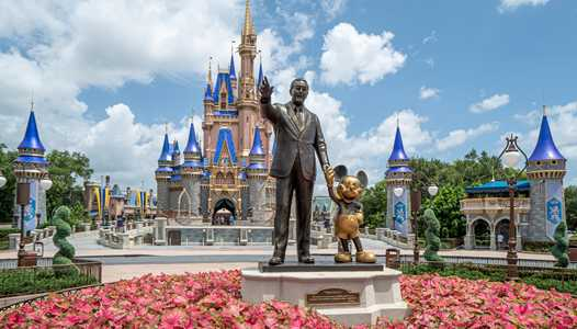 Disney World's trash cans are being restored to their normal state at the theme parks, resorts, and Disney Springs