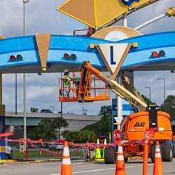 Magic Kingdom auto-plaza refurbishment - October 12 2020