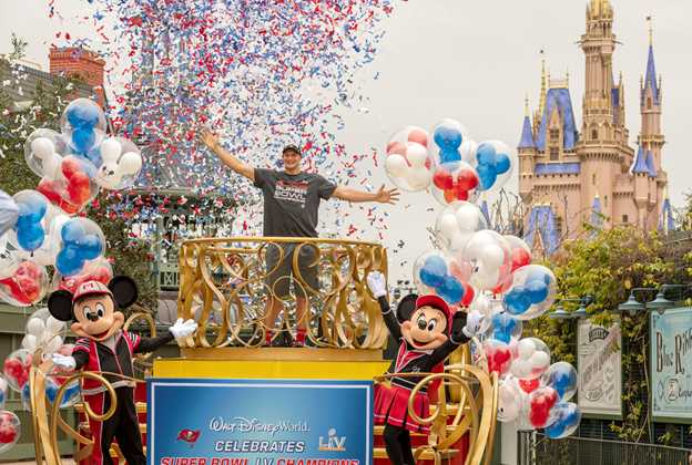 Rob Gronkowski visits Walt Disney World after Super Bowl LV victory