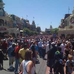 Magic Kingdom crowds Easter period 2009