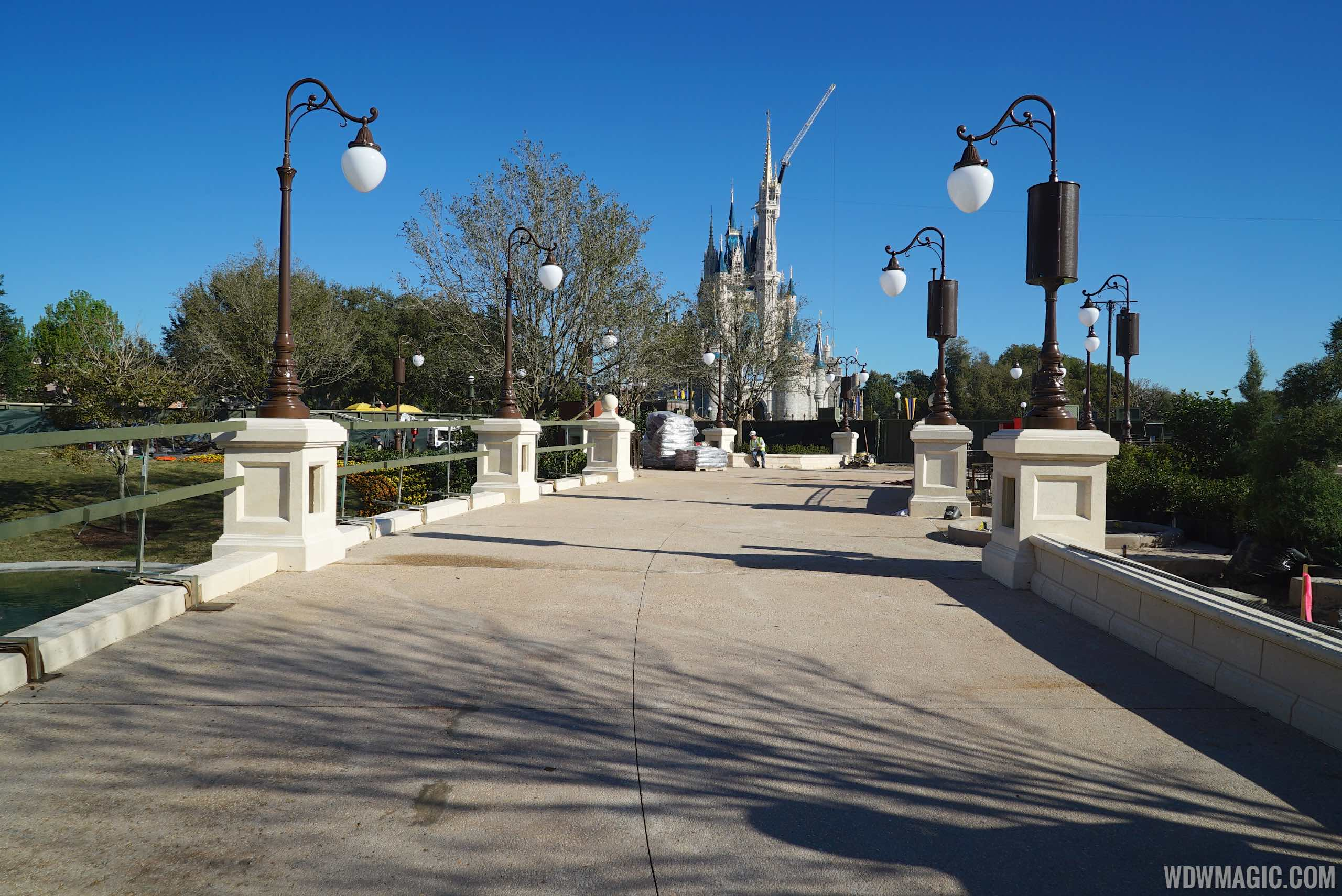 Main Street Plaza Gardens west