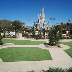 Main Street Plaza Gardens construction