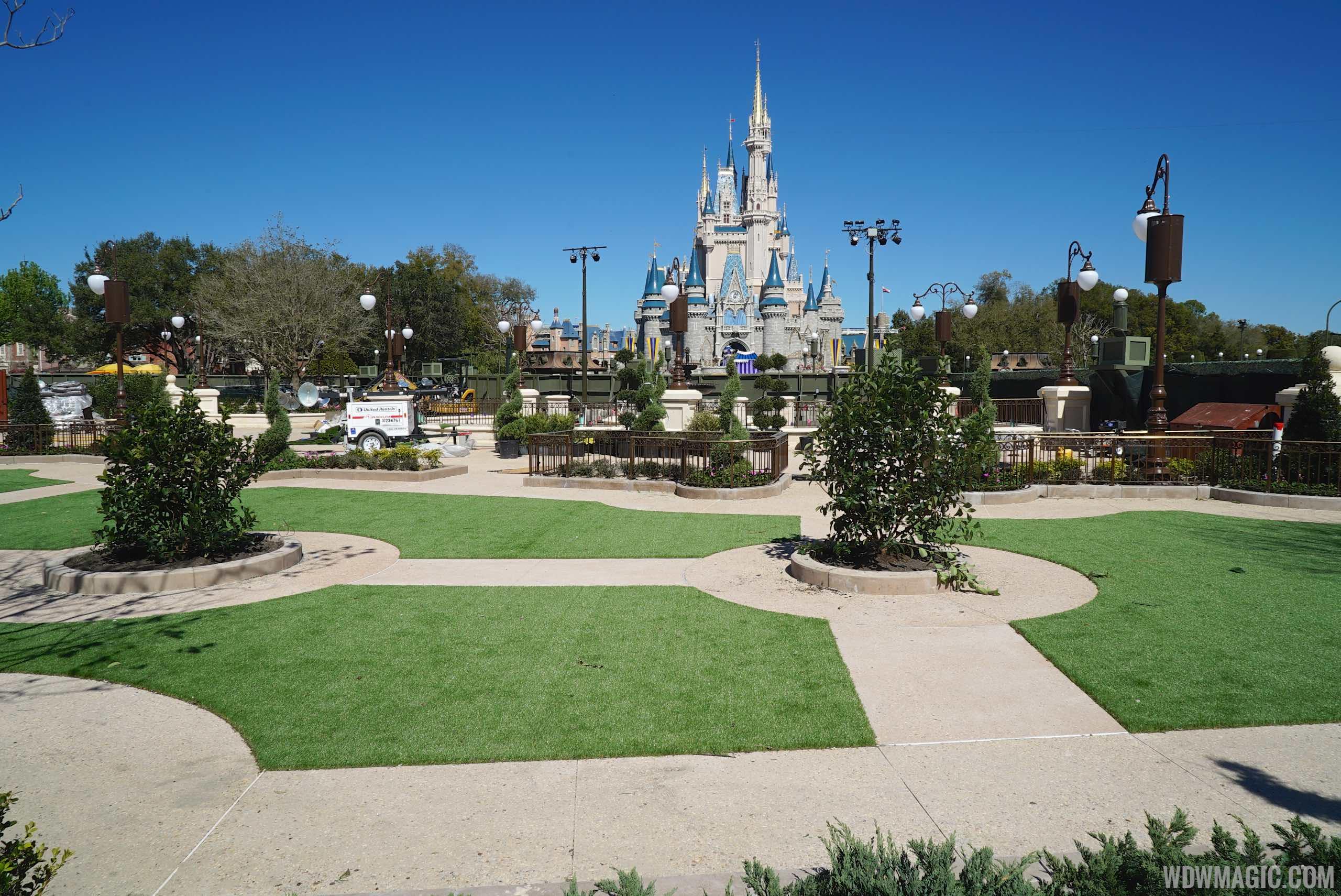PHOTOS - Latest look at the Magic Kingdom\'s Main Street Plaza ...