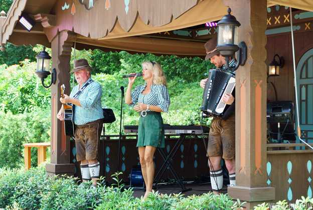 Margret Almer and The Bavarian Band overview