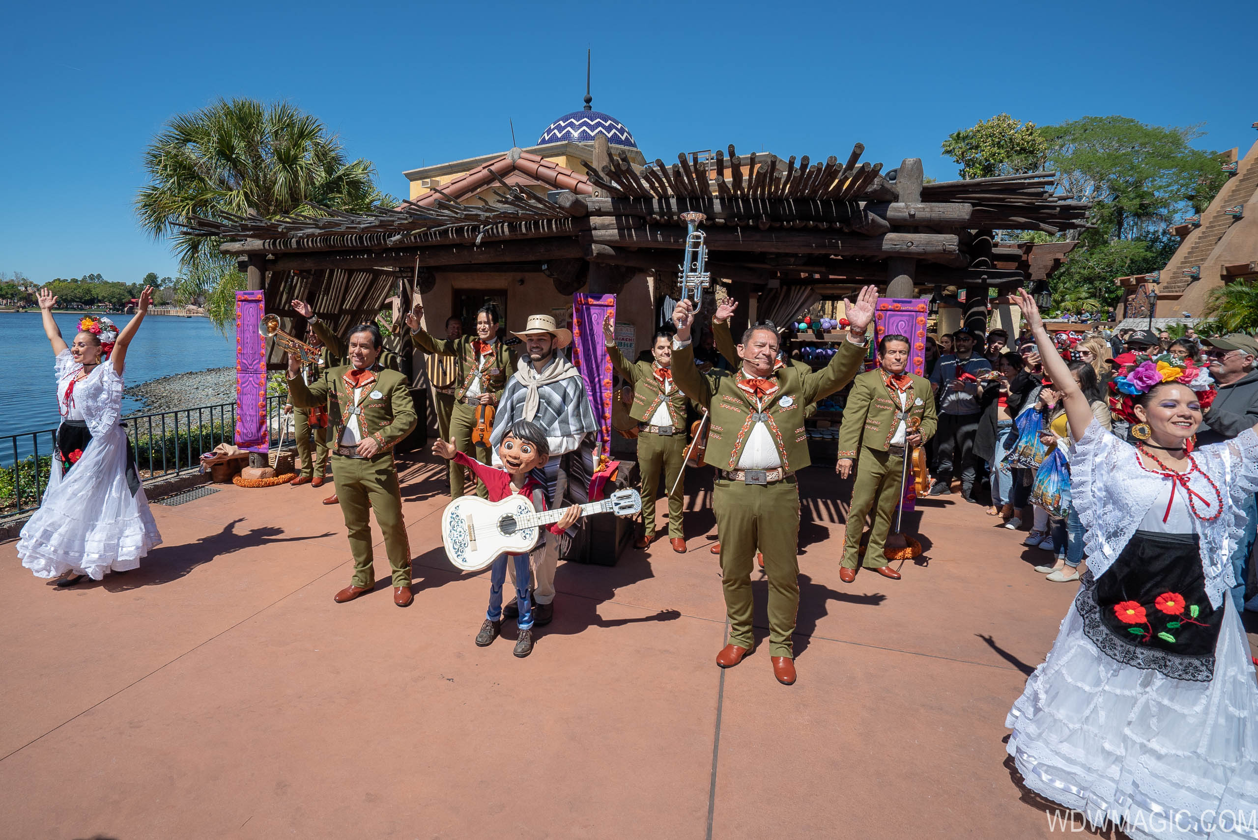 Mariachi Cobre Present the Story of 'Coco'