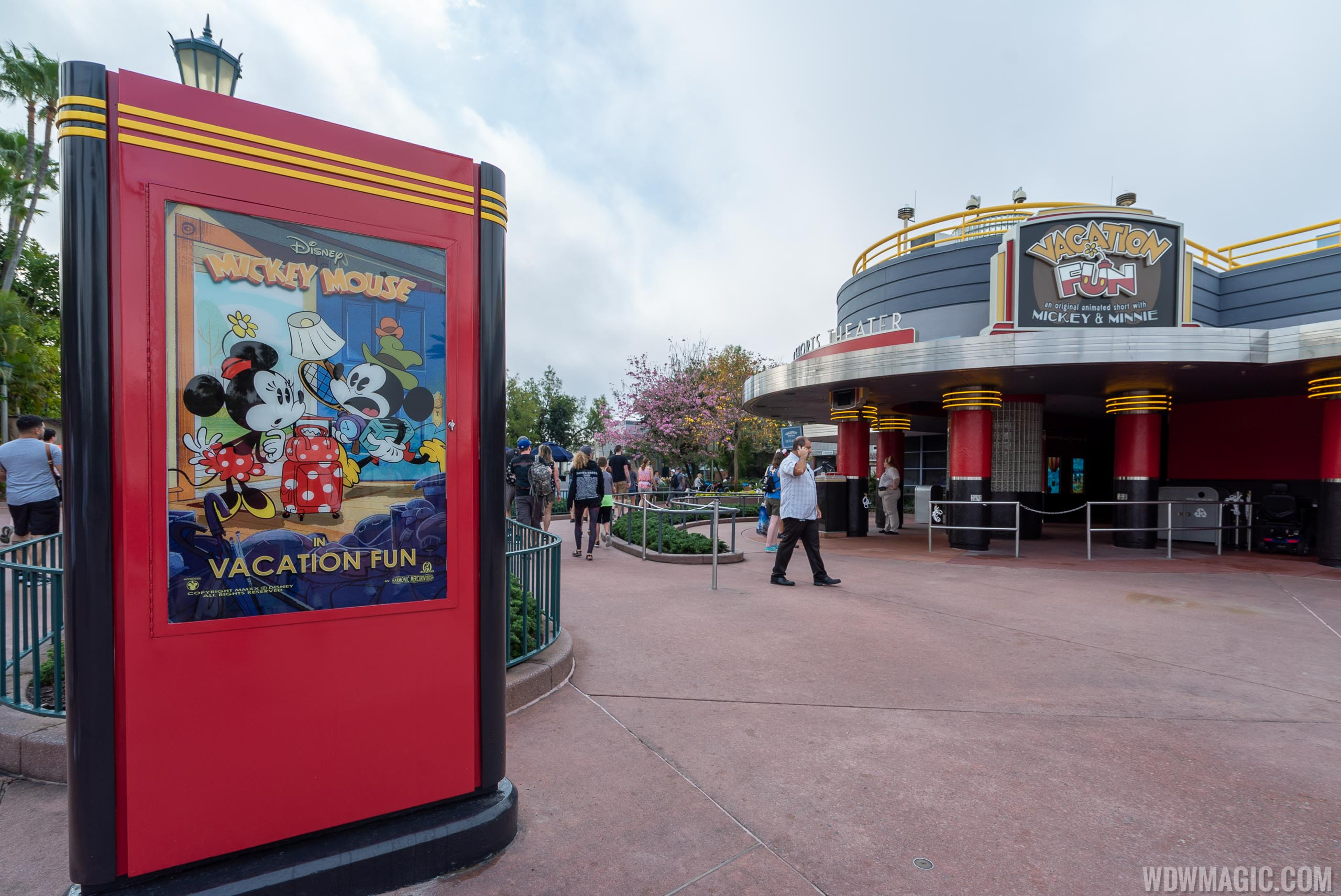Mickey Shorts Theater overview