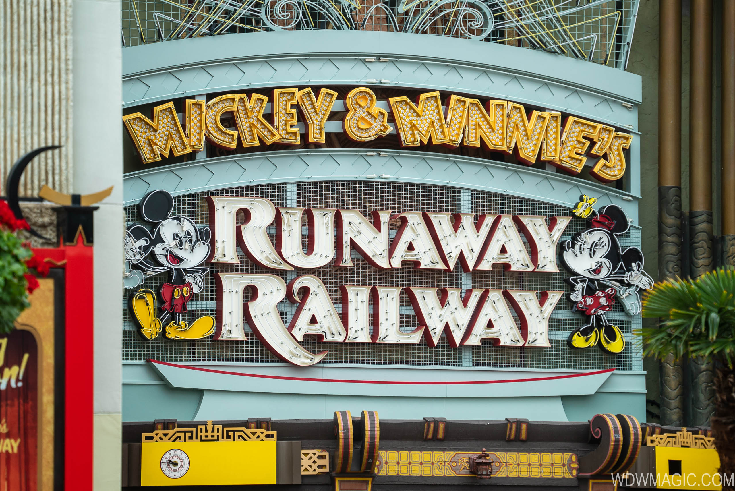 Mickey and Minnie's Runaway Railway marquee sign