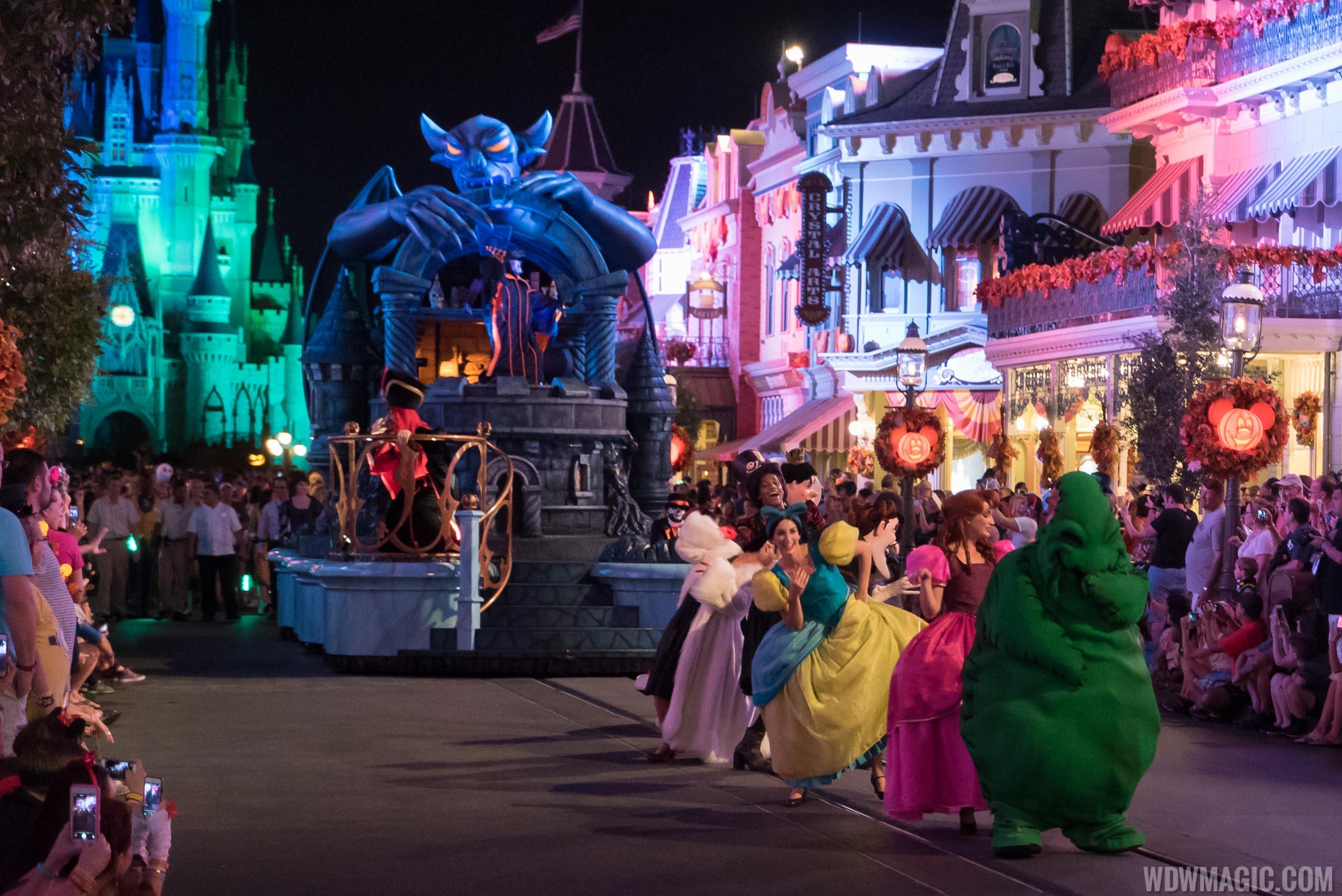 mickeys boo to you halloween parade 2015
