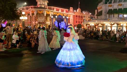 VIDEO - New additions come to Mickey's Boo To You Halloween Parade