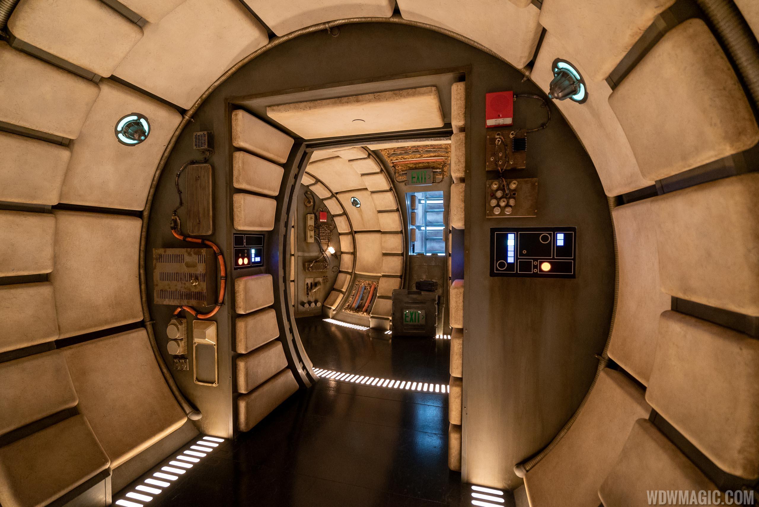 Millennium Falcon Smugglers Run corridor