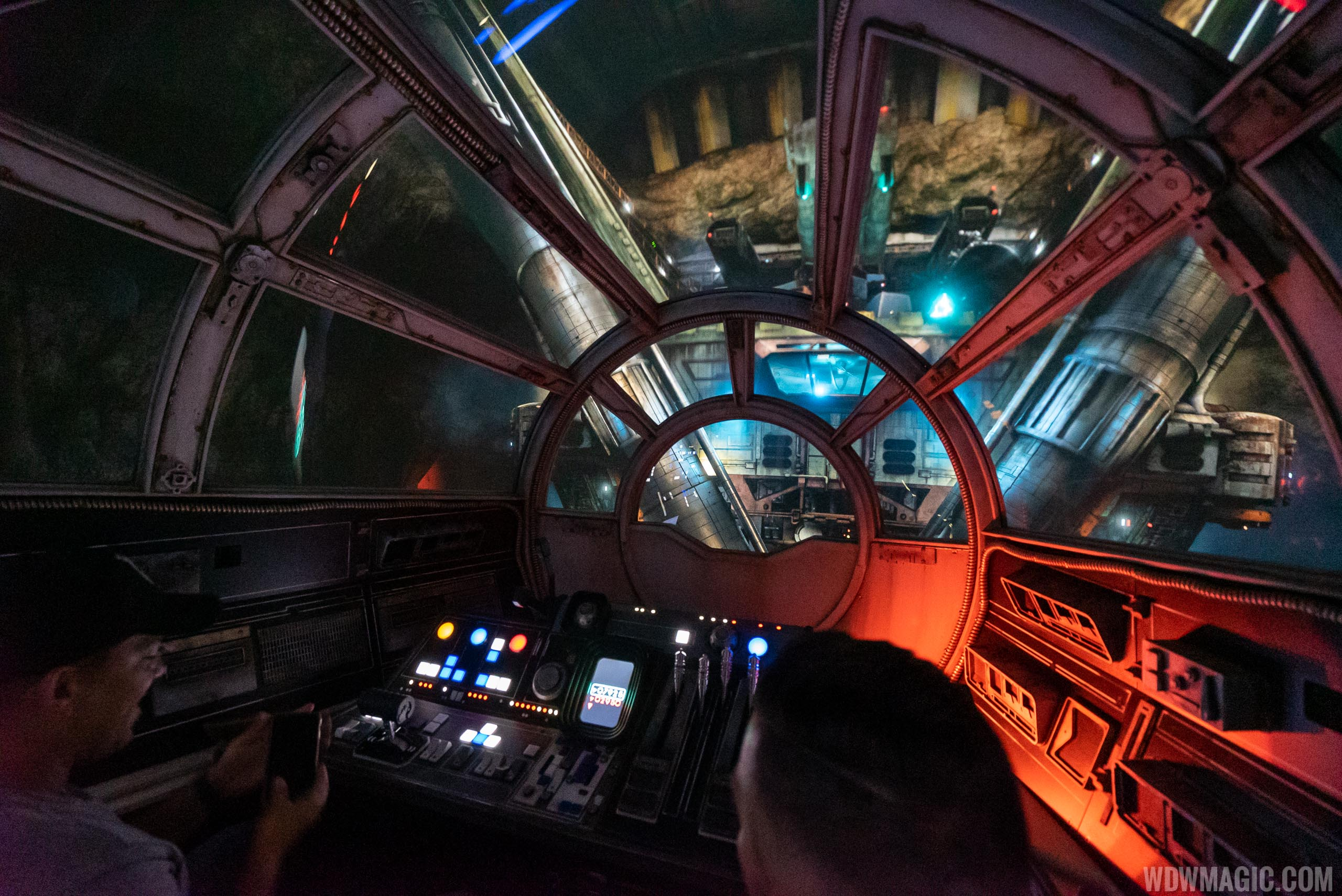 Millennium Falcon Smugglers Run on-ride