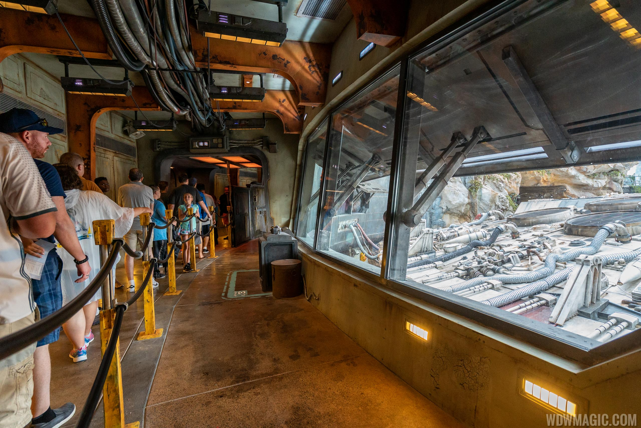 Millennium Falcon Smugglers Run queue line